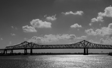 architecture-black-and-white-bridge-334-825x550