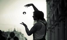 artist-black-and-white-magic-1417-807x550