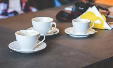 restaurant-coffee-cup-table-large